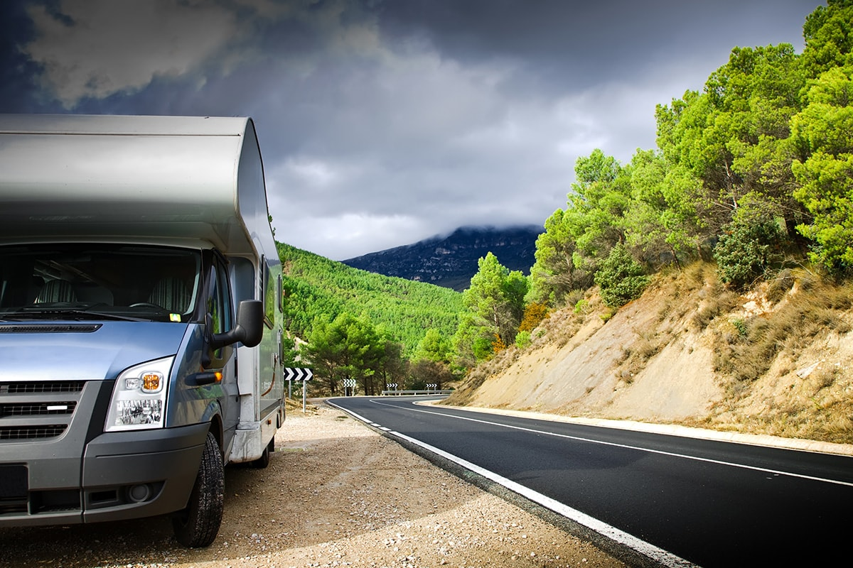 Driving with your motorhome through Spanish mountains