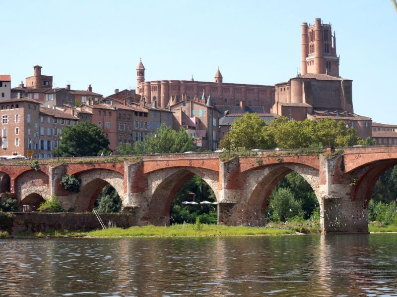 The best place to view Pont Vieux and Albi Cathedral is just outside of the centre.